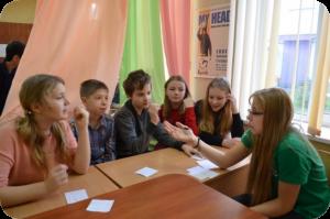 Ученики школы на занятиях